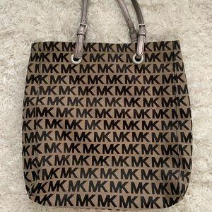 Michael Kors Shoulder/travel bag.